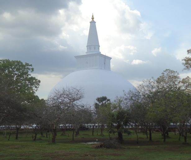 Day 4 : Habarana - Anuradhapura - Habarana